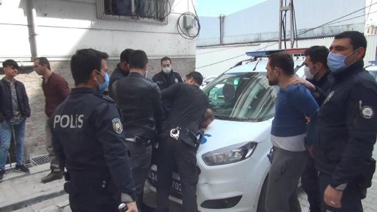 İstanbul'da akılalmaz olay! Arabasına top çarptı diye...