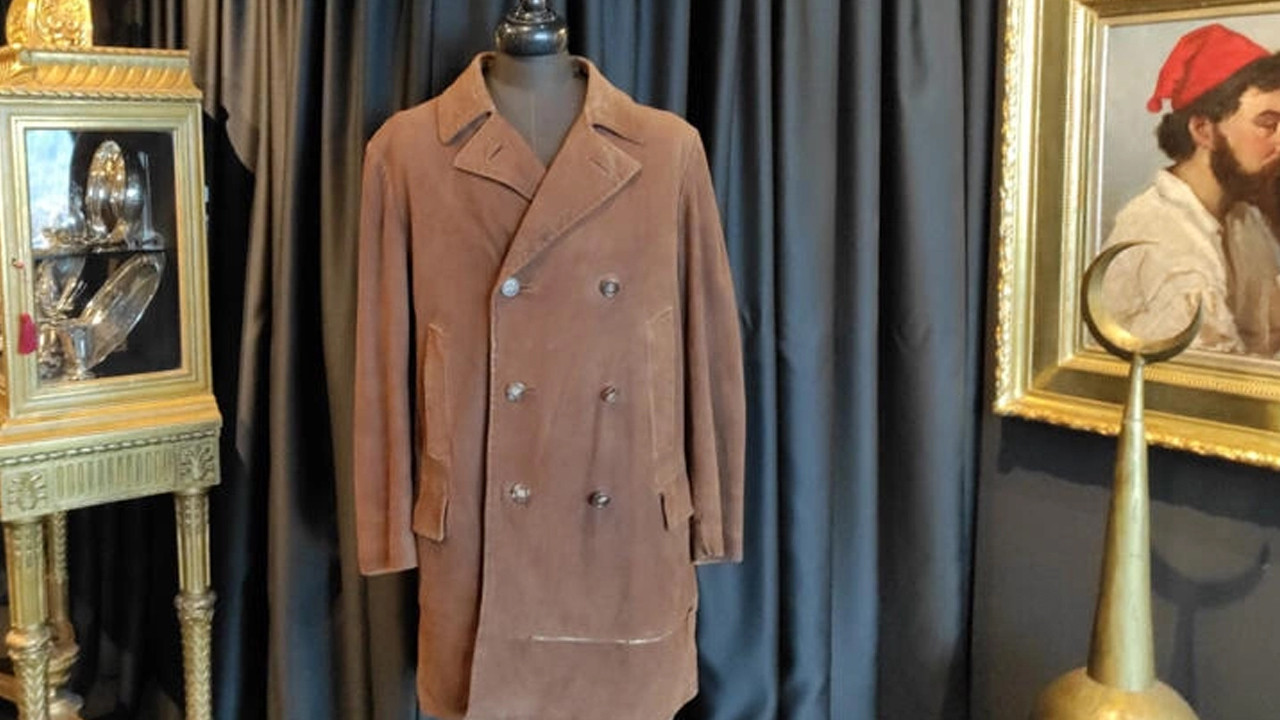 Atatürk'ün ceketi satışa çıkıyor