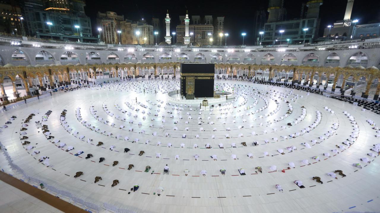 Kabe'de Ramazan'ın ilk teravih namazı