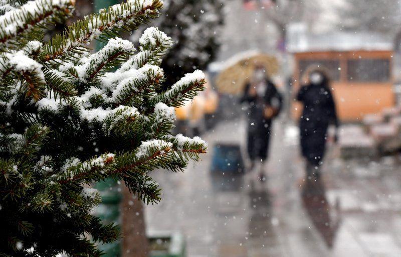 Nisan'da kar sürprizi! Tüm şehir beyaza büründü - Resim: 4