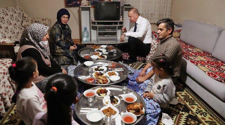 Erdoğan, iftarda yer sofrasında - Resim: 1