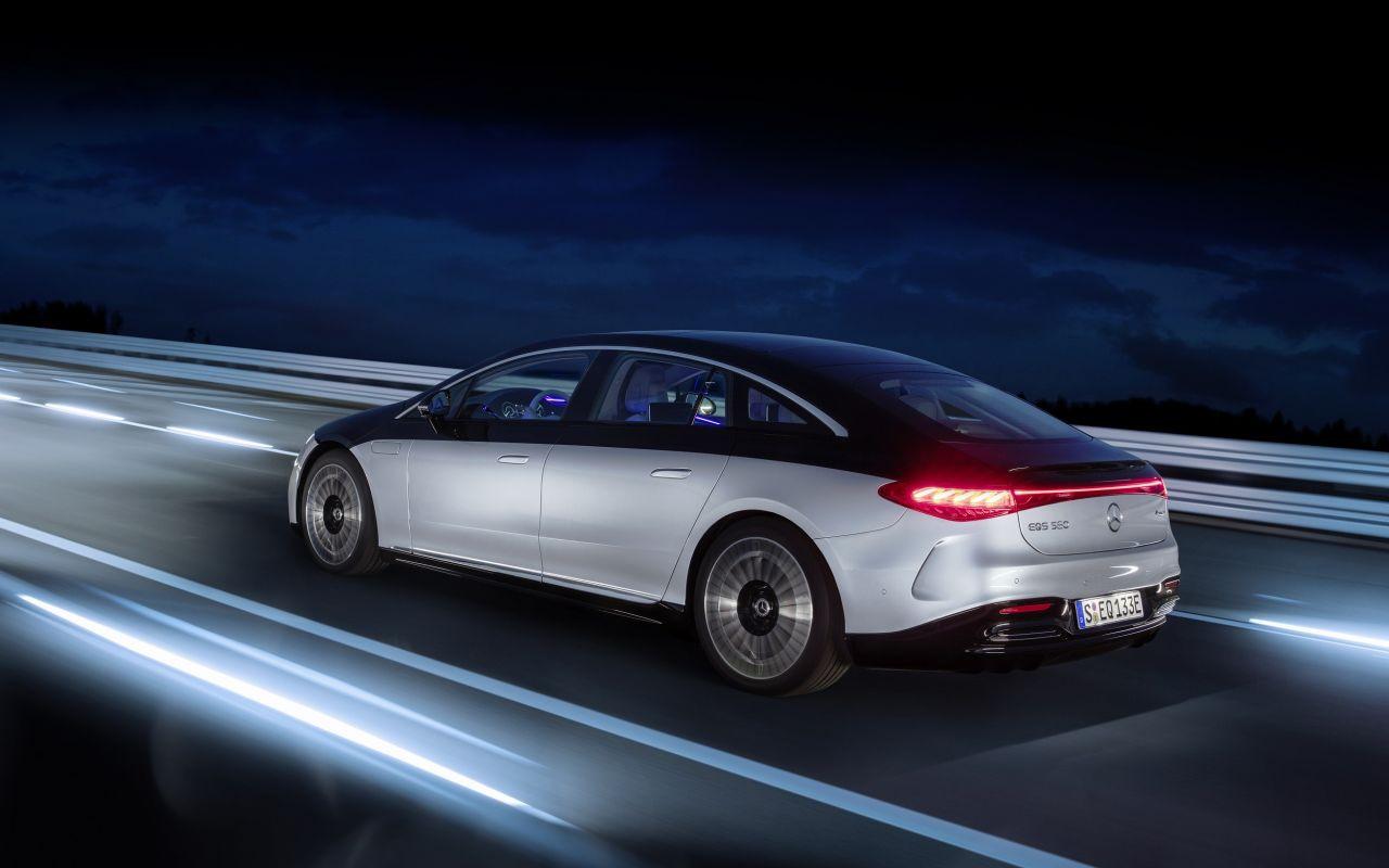 Mercedes'in yeni ''teknolojik'' devrimi: EQS tanıtıldı - Resim: 3