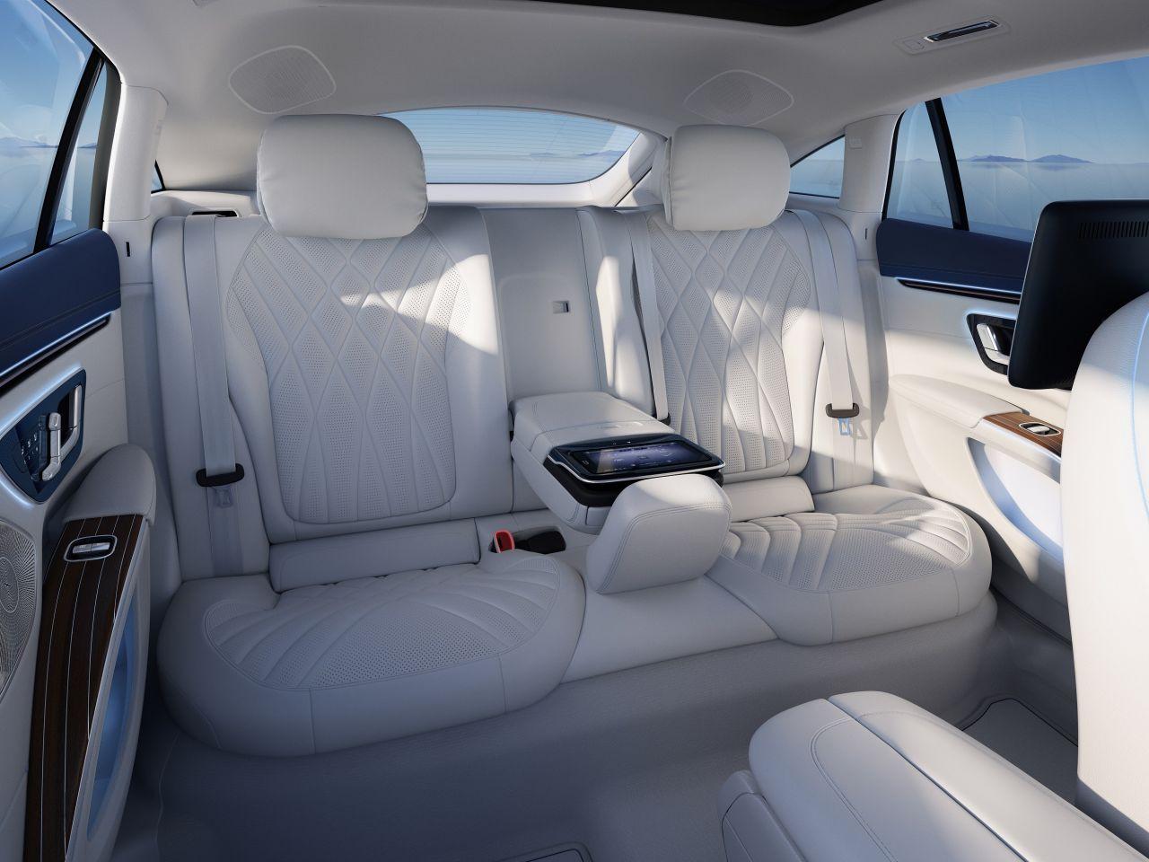 Mercedes'in yeni ''teknolojik'' devrimi: EQS tanıtıldı - Resim: 2
