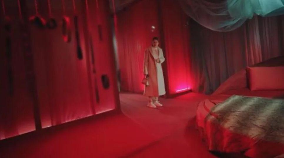 Camdaki Kız dizisindeki ''fantezi odası'' sosyal medyayı salladı - Resim: 3