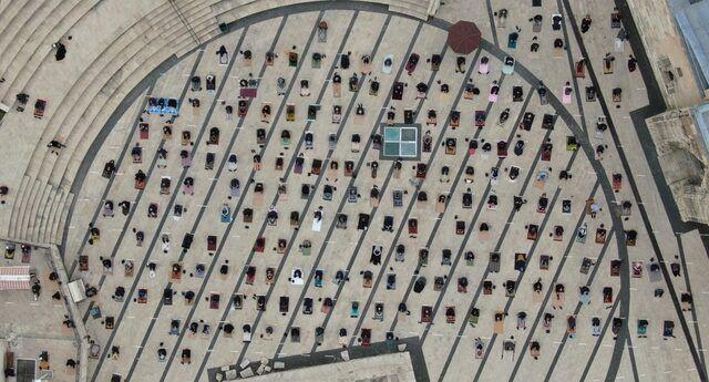 Ramazan'ın ilk cuma namazı havadan görüntülendi - Resim: 4