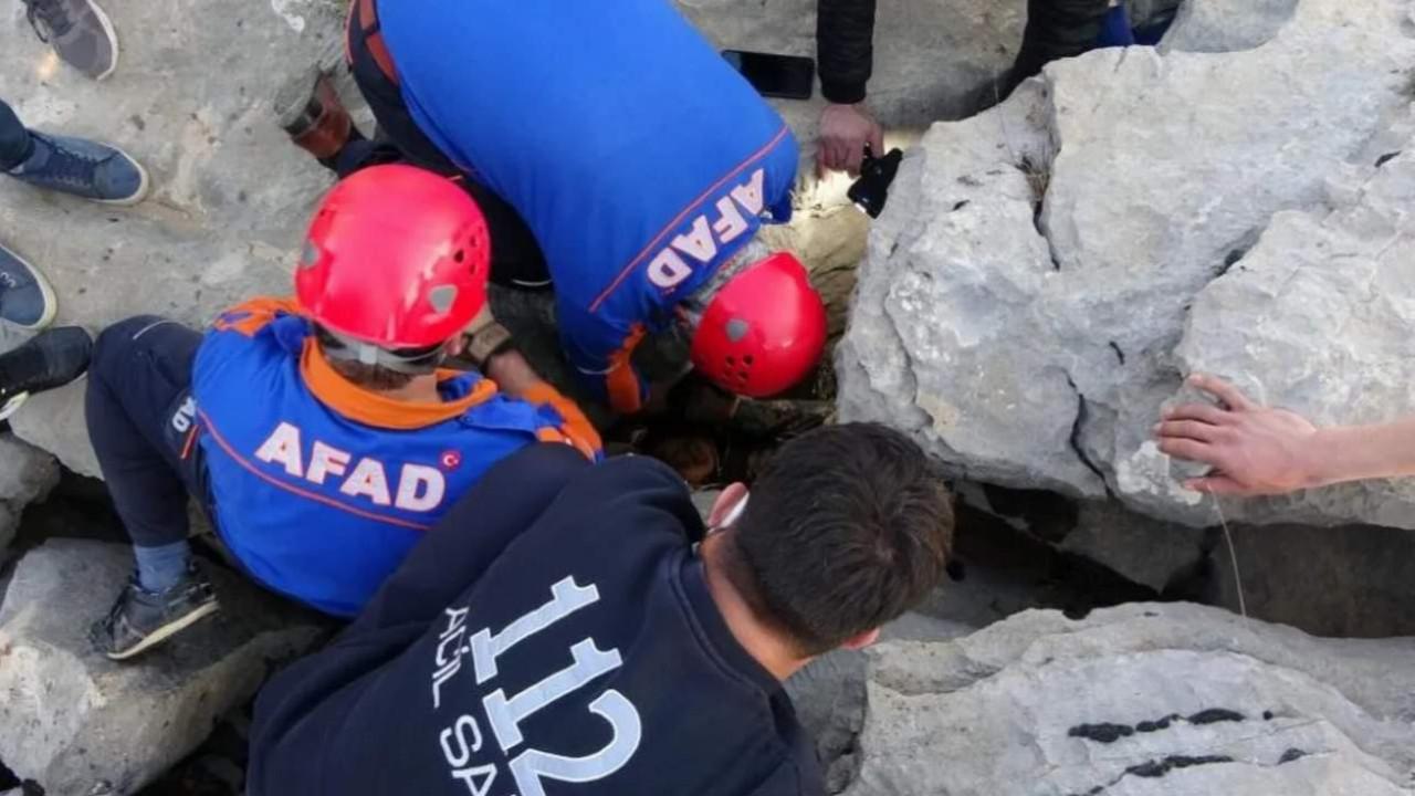 Yaşlı kadın sıkıştığı kayalıkta 3 gün sonra bulundu