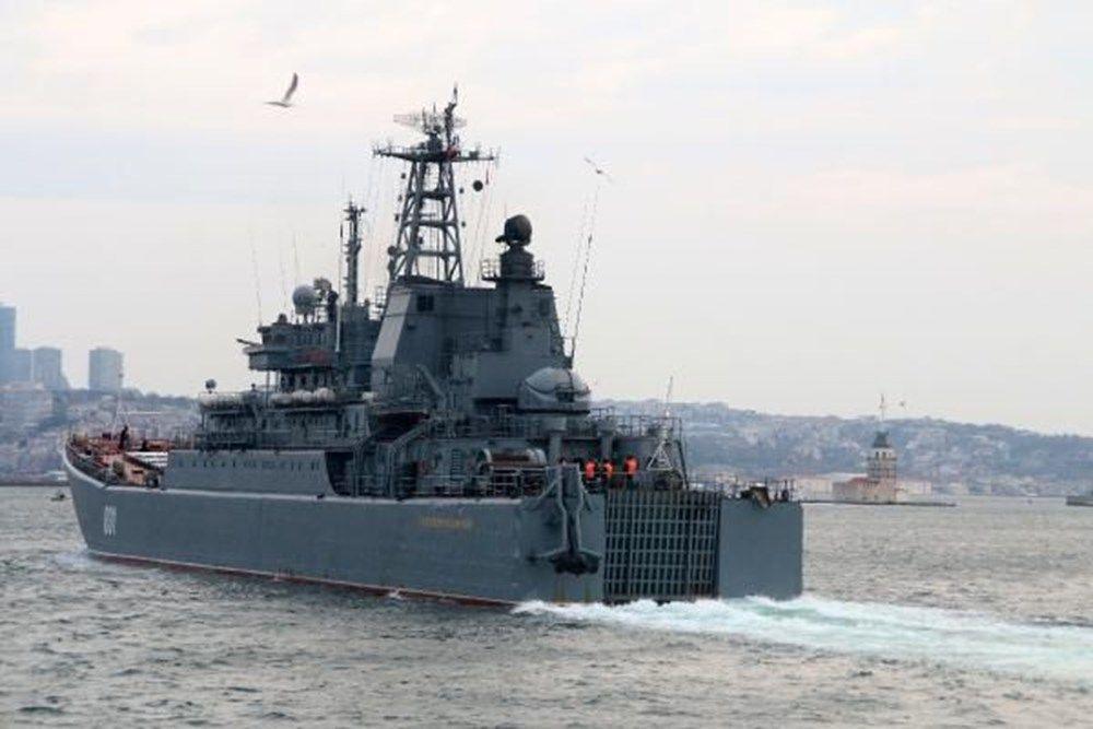 Rus savaş gemileri İstanbul Boğazı'ndan geçti - Resim: 2