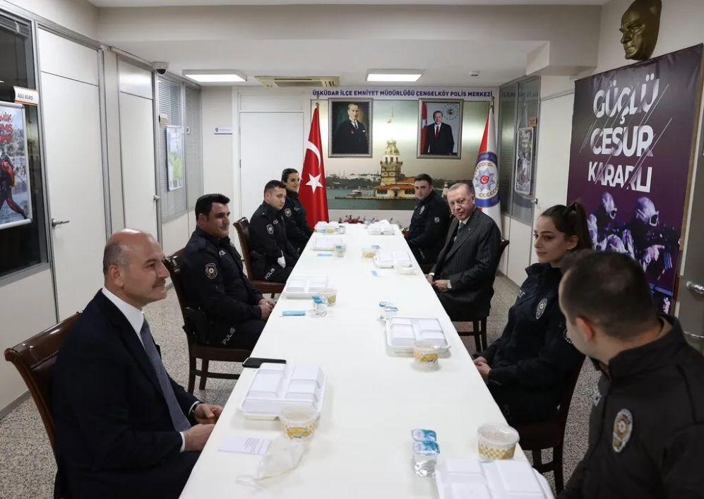 Erdoğan ve Soylu Polis Merkezi'nde iftar yaptı - Resim: 1