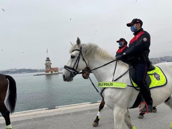 İstanbul'da atlı birlikler sahaya indi