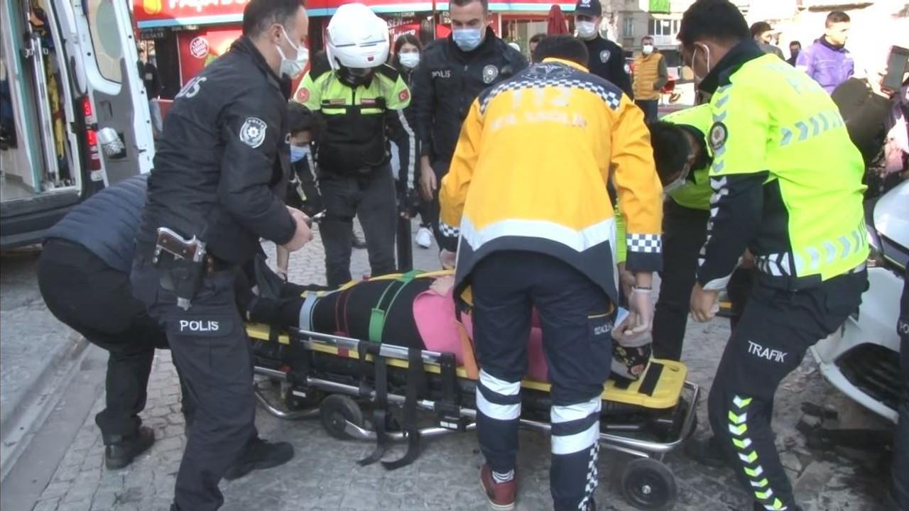 Turist kadın kaldırımda yürürken dehşeti yaşadı