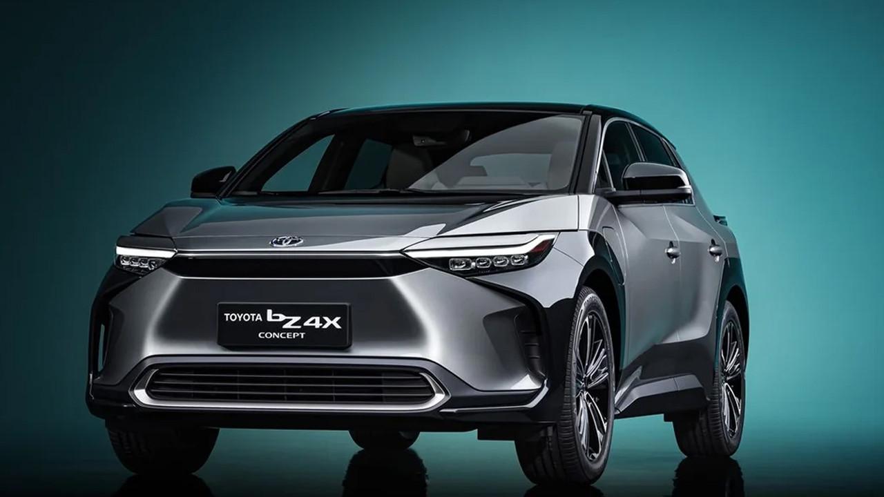 Toyota elektrikli C segmenti SUV modeli ile göz doldurdu!