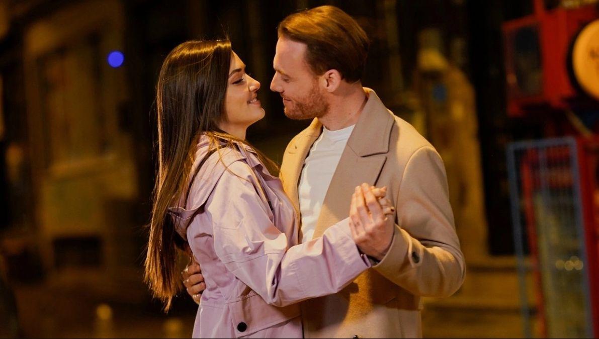 Hande Erçel ile Kerem Bürsin aşkı böyle ortaya çıktı - Resim: 2
