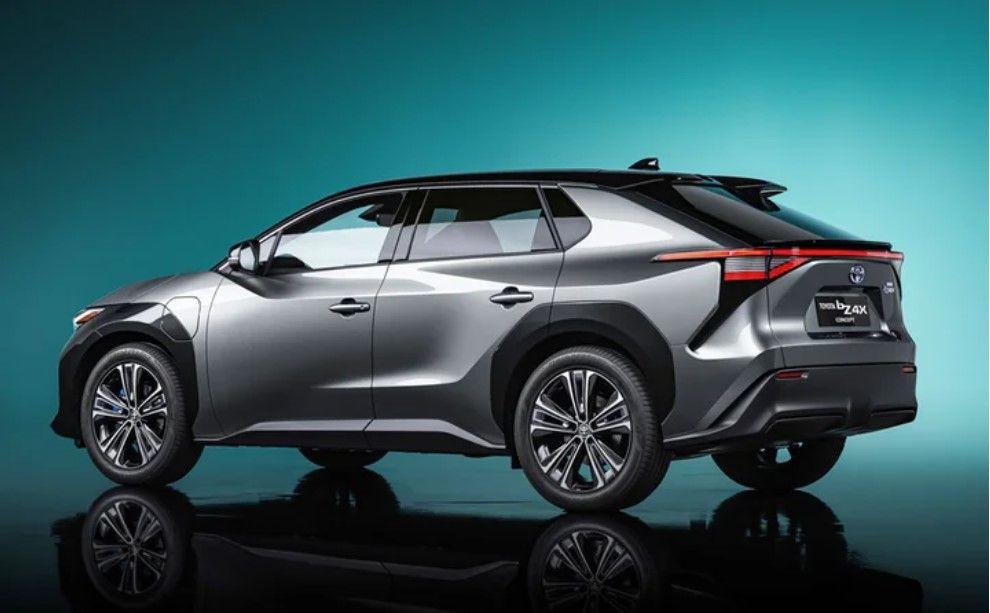 Toyota elektrikli C segmenti SUV modeli ile göz doldurdu! - Resim: 1