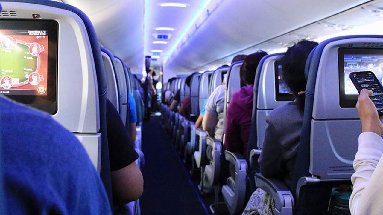 Gökyüzünde kabus! Yolcular pozitif çıktı, uçak karantinaya alındı!