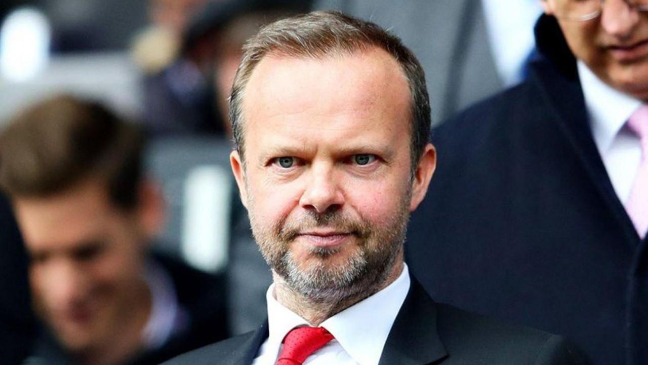 Manchester United CEO'su istfia etti