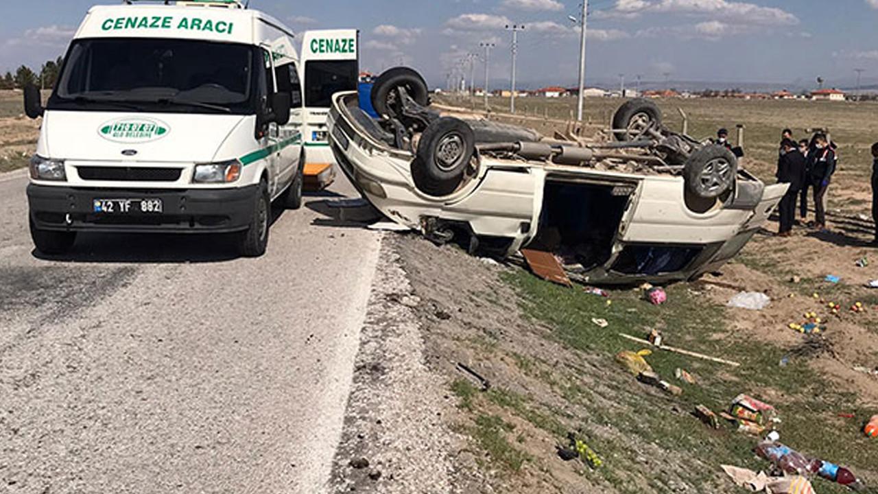 Konya'da minibüs takla attı: Ölü ve yaralılar var