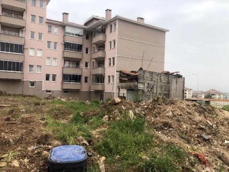 27 yıldır bitmeyen inşaat! Evlerine kavuşamadan ölenler var - Resim: 2
