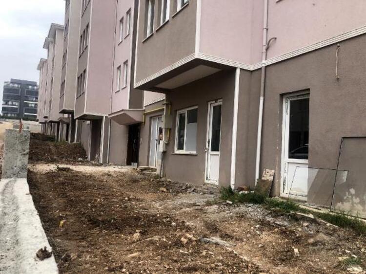 27 yıldır bitmeyen inşaat! Evlerine kavuşamadan ölenler var - Resim: 3