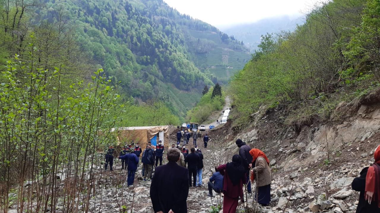 Cengiz İnşaatı köylüler durdurdu