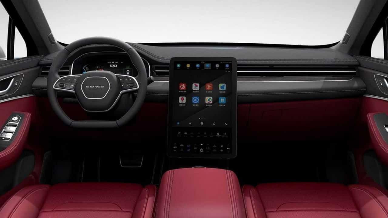 Huawei yollara indi! Akıllı otomobil Huawei Seres SF5 satışa sunuldu