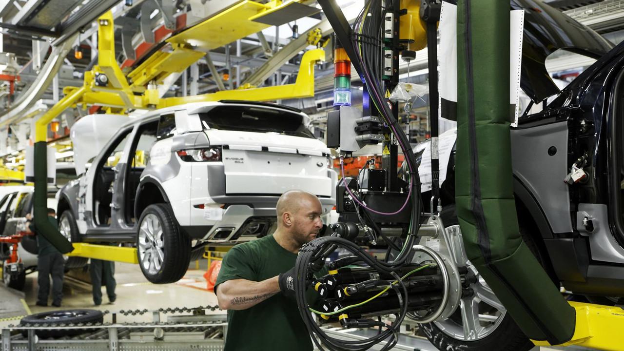 Otomobil devi iki fabrikada üretimi durduruyor