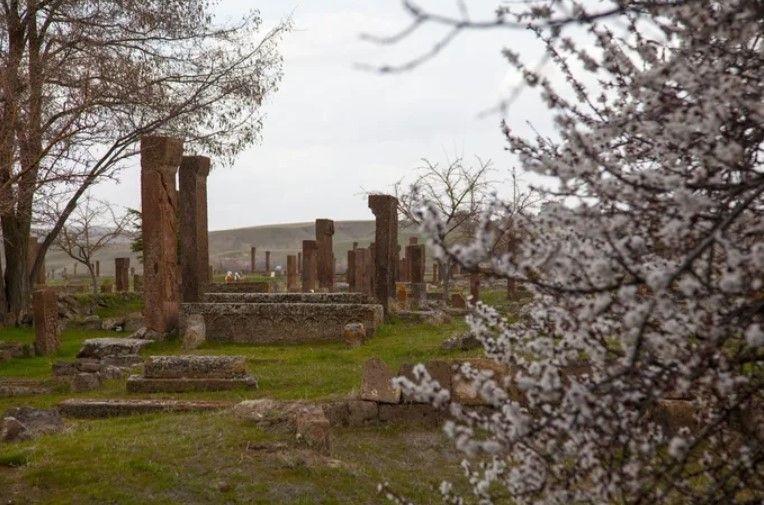 Ahlat Selçuklu mezarlığında karekod uygulaması - Resim: 4