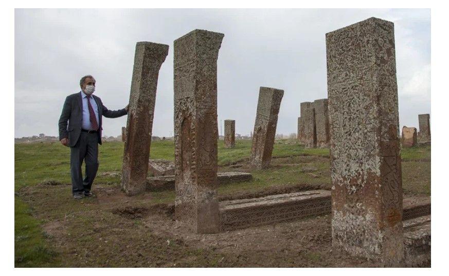 Ahlat Selçuklu mezarlığında karekod uygulaması - Resim: 1