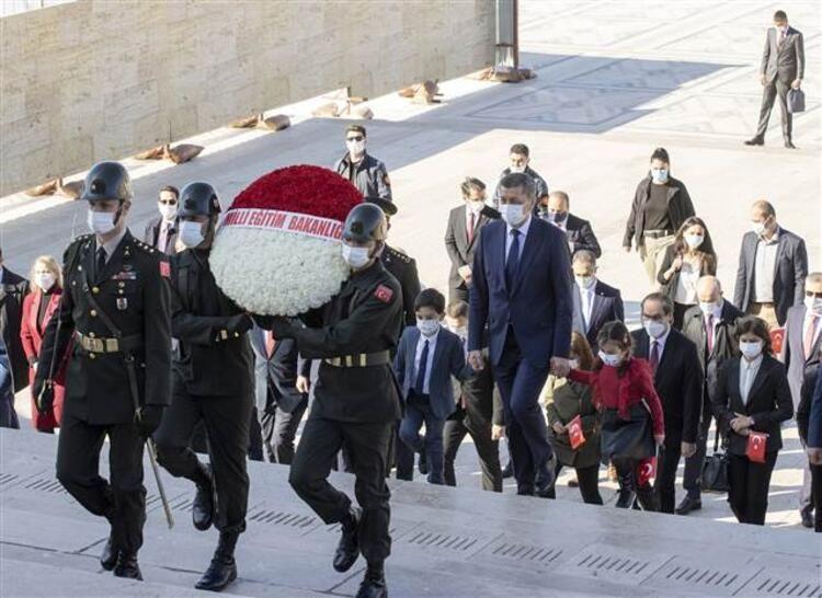 Erdoğan ve Bahçeli Anıtkabir'e gelmedi - Resim: 4