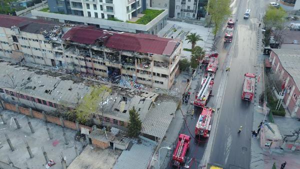 İstanbul'da patlama! Ortalık savaş alanına döndü - Resim: 2