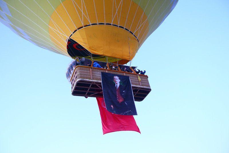 Kapadokya'da Türk bayraklarıyla 23 Nisan şöleni - Resim: 1