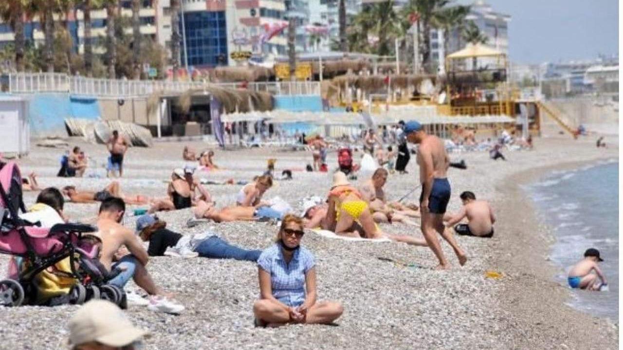23 Nisan'da sahilleri turistler doldurdu!