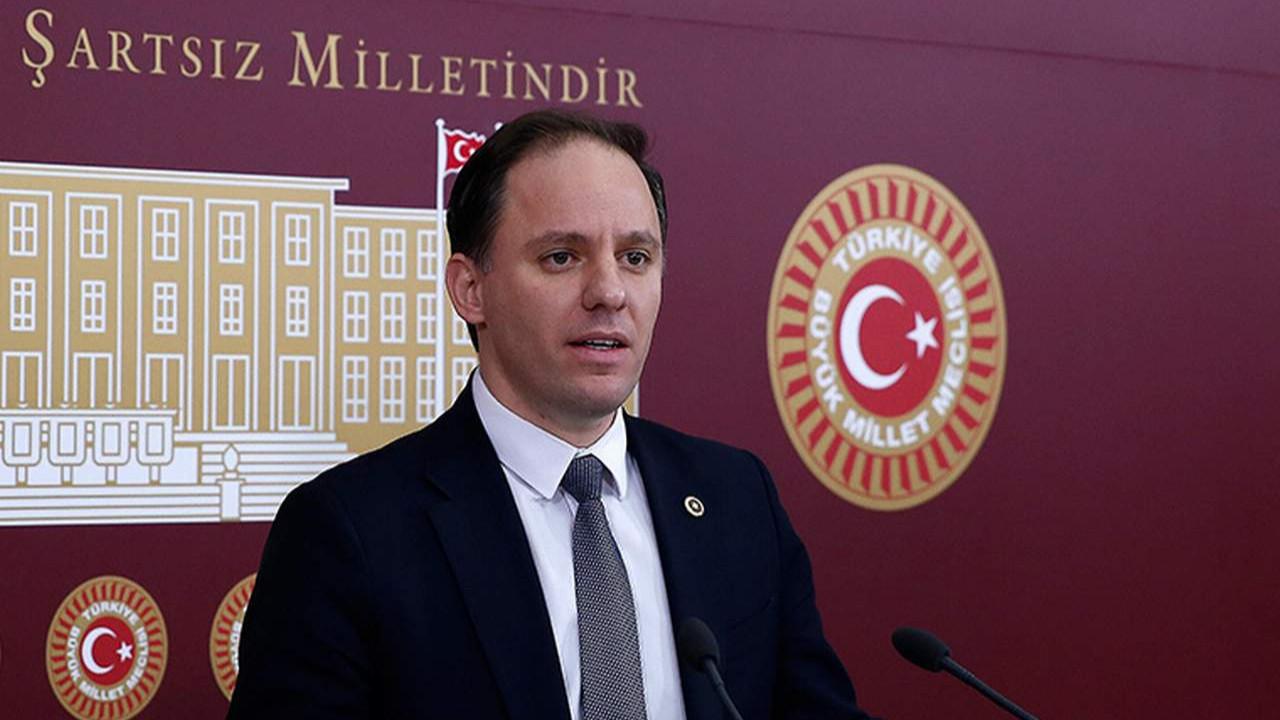 CHP'li Yavuzyılmaz bu kez de Bakan yardımcısının 176 bin TL'lik maaşını ifşa etti