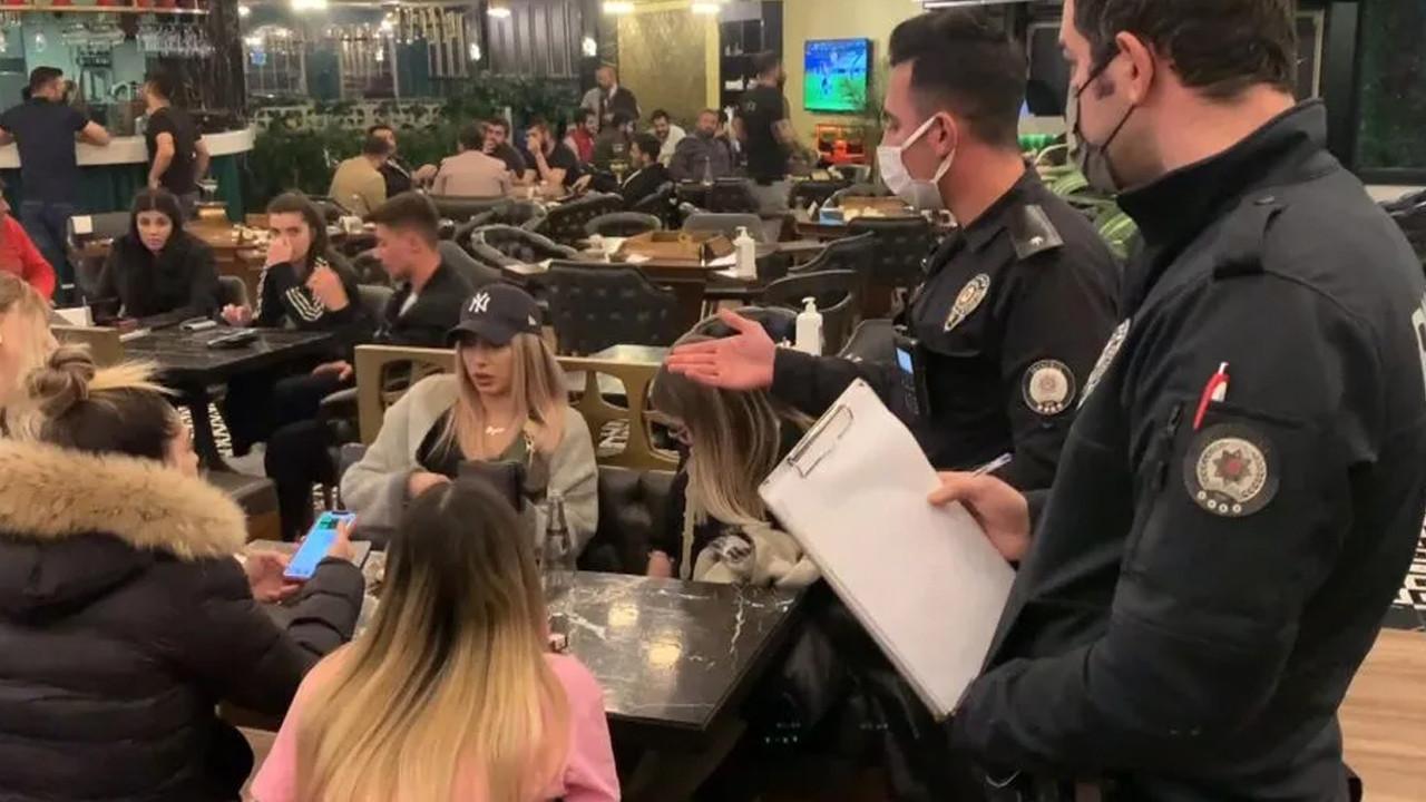 Nargile kafeye baskın! Polisi görünce bakın ne yaptılar!