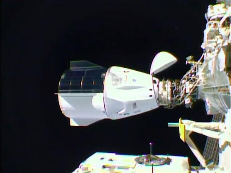 SpaceX'in uzay aracında kırmızı alarm! - Resim: 4