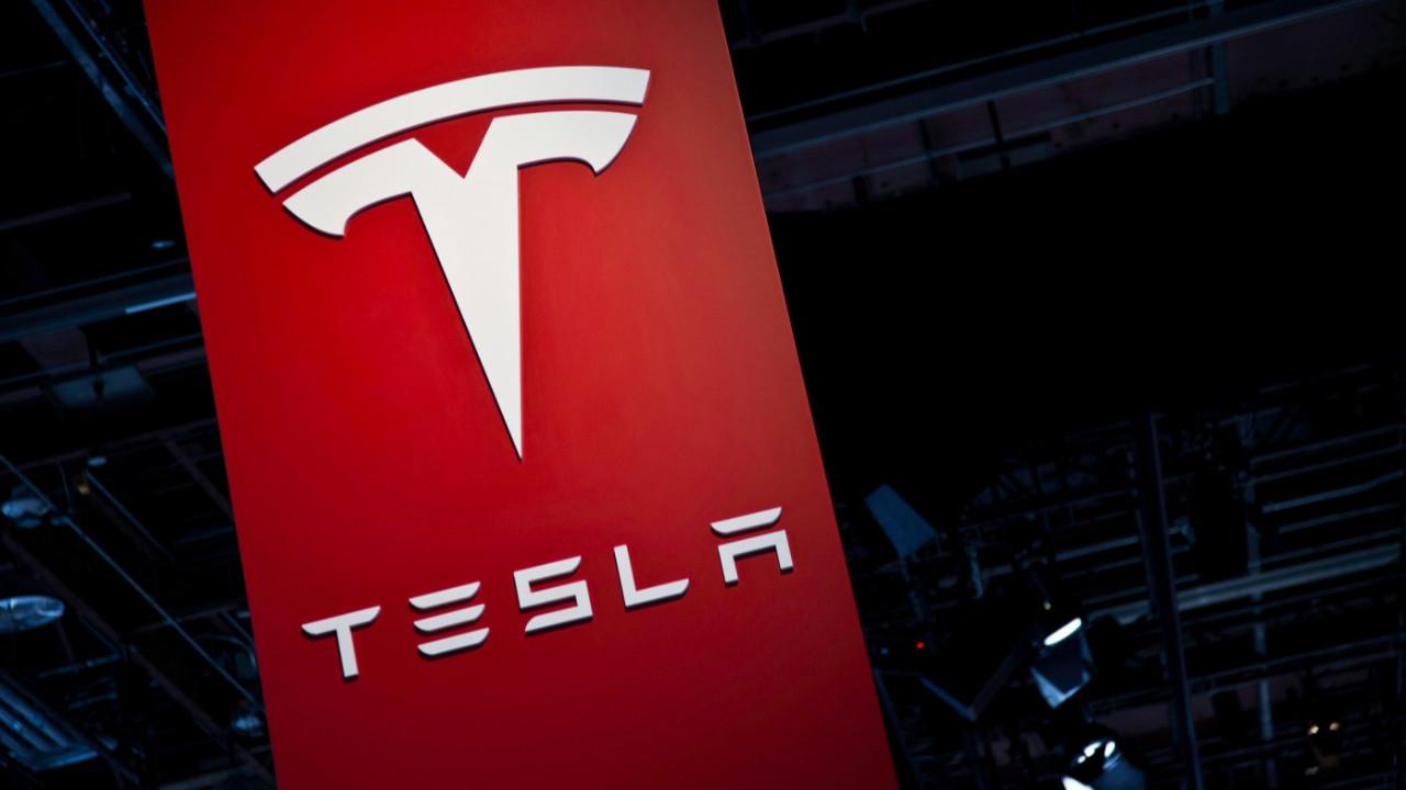 Tesla'dan yeni ''koronavirüs'' kararı