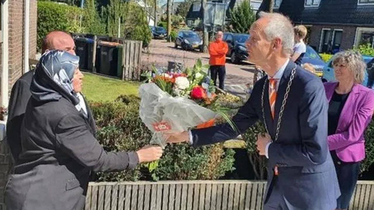 Hollanda'da 16 Türk'e kraliyet nişanı