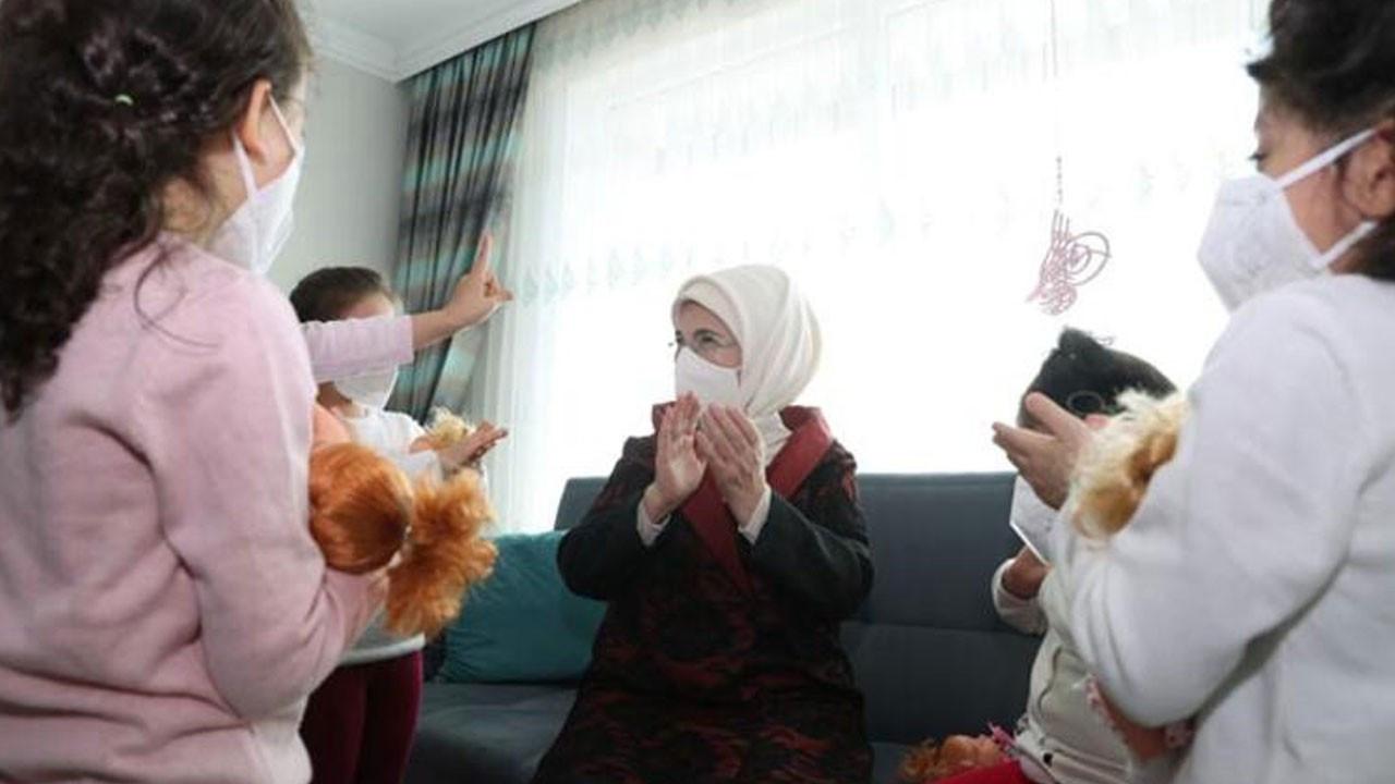 Emine Erdoğan, sevgi evindeki çocukları ziyaret etti
