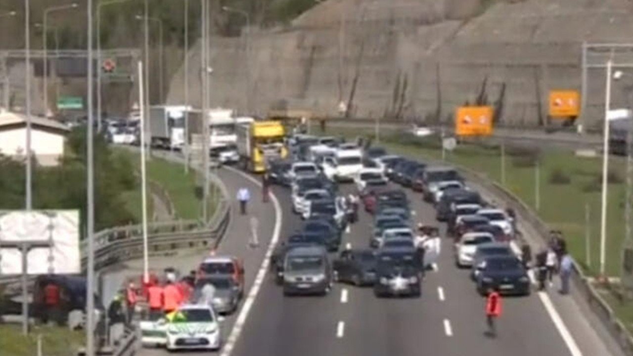 Bolu Dağı Tüneli'nde trafik durdu!