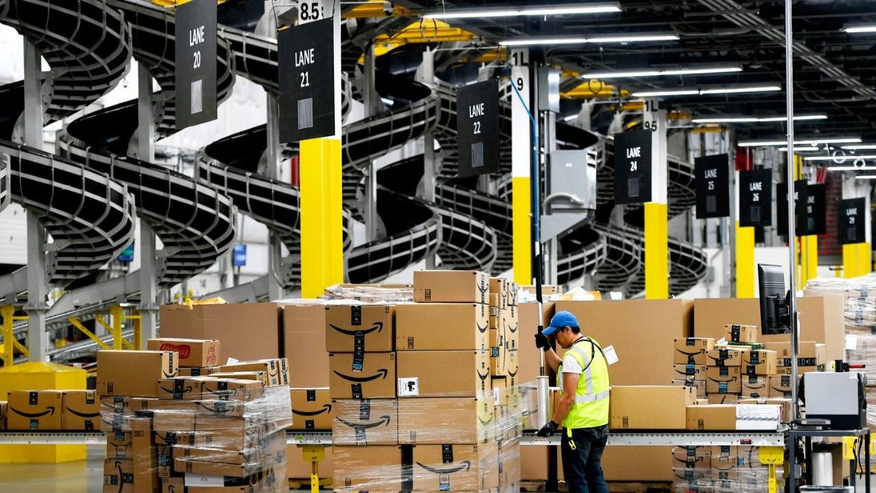 Amazon, 500 bin çalışanına zam yapacak