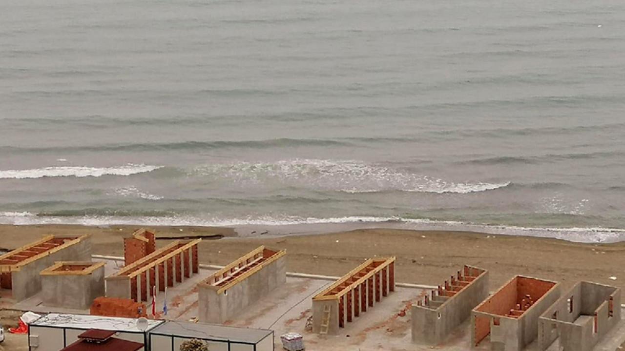 AK Partili belediyeden tepki çeken plaj projesi! Sahile beton döktüler