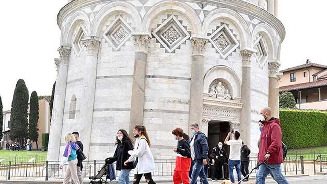 İtalya'da son 24 saatte 256 kişi daha koronavirüsten öldü