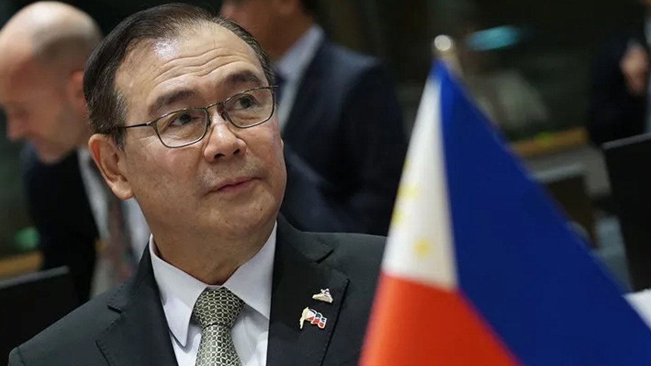 Filipinli Bakan'dan küfür özrü!