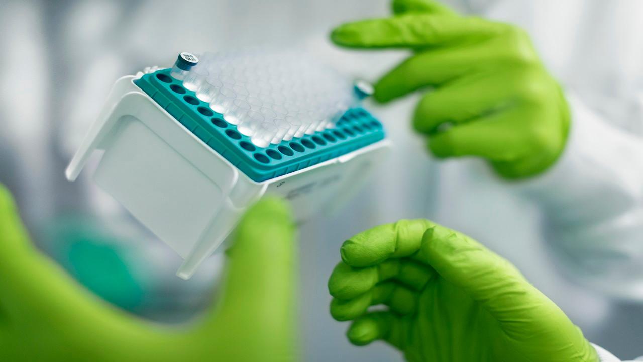 Türkiye'de de uygulanan o aşının mutant virüslere karşı başarısı kanıtlandı