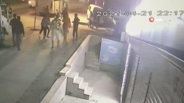 Esenyurt'ta bıçaklı kavga kamerada - Resim: 2