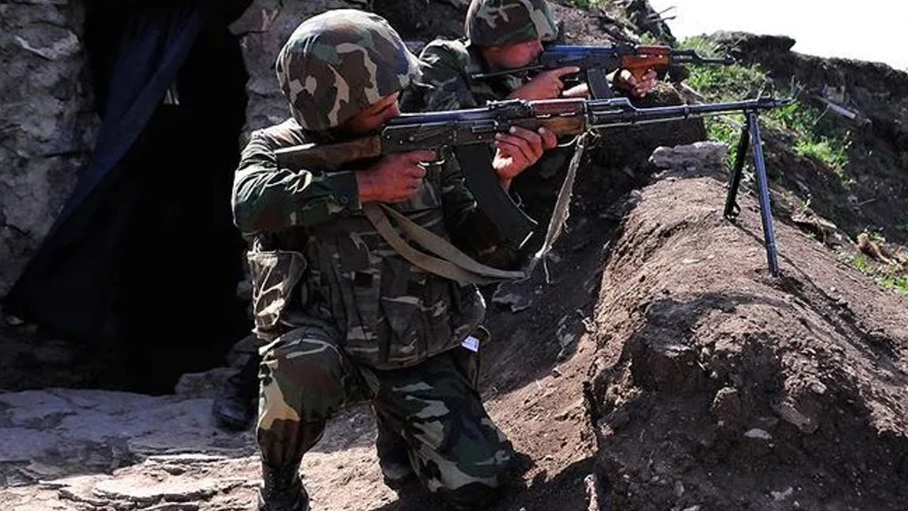 Azerbaycan Ermenistan'a asker iadesi