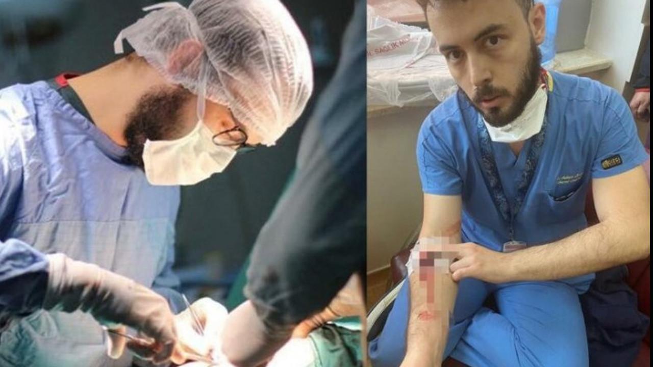 Hastanede skandal olay! Kolunda damar yoluyla çalışan doktor darbedildi