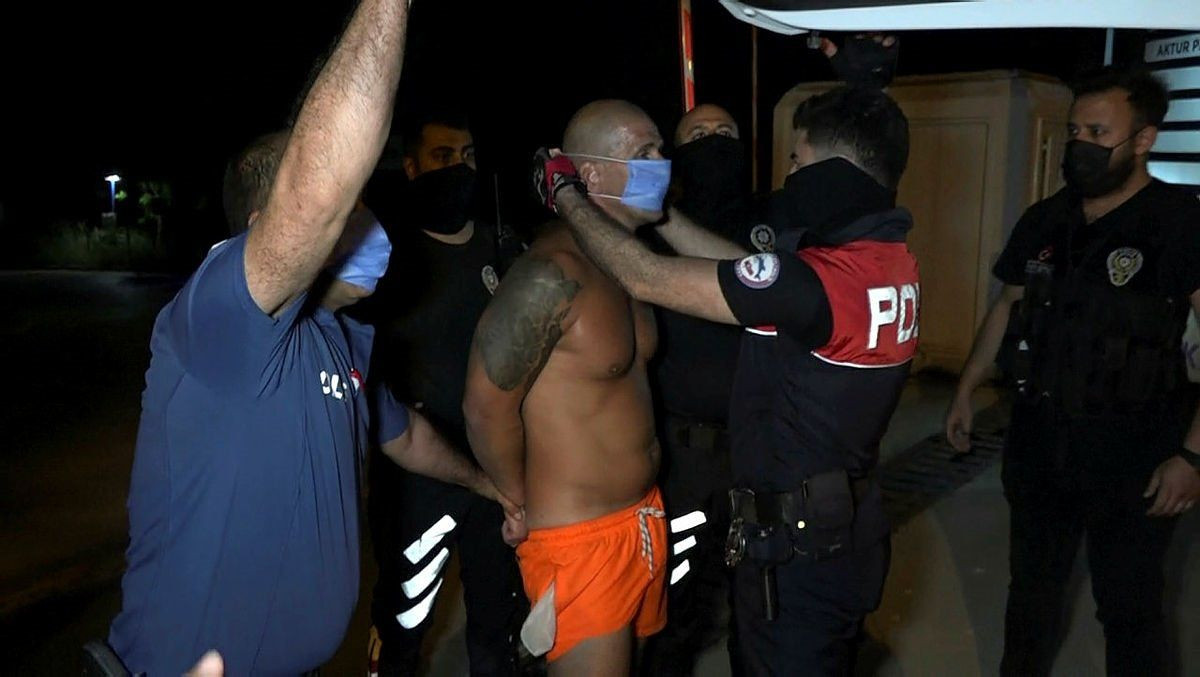 Kadın polise ahlaksız sözler savuran turist yeniden gözaltında - Resim: 2