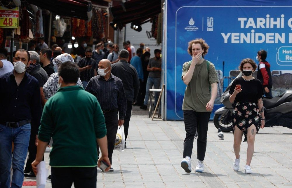 Tam kapanmada Taksim ve Eminönü'ne turist akını - Resim: 4