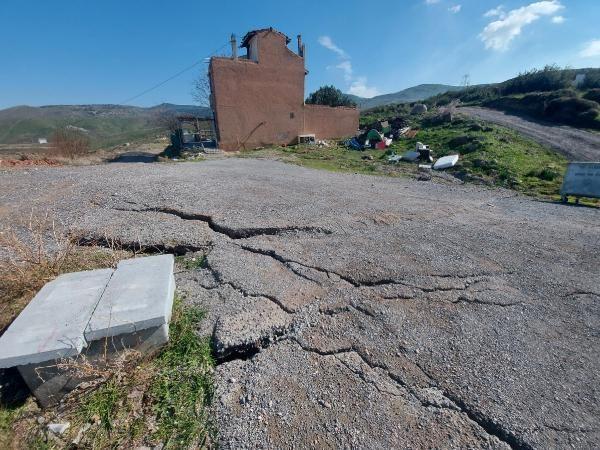 İzmir'de korkutan göçükler! 5 ev daha boşaltıldı - Resim: 3