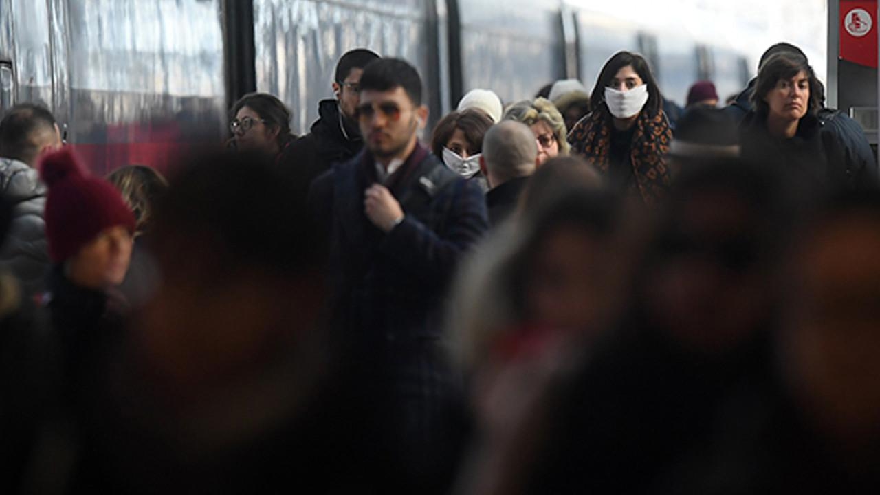 İtalya'da son 24 saatte 258 kişi koronavirüsten öldü
